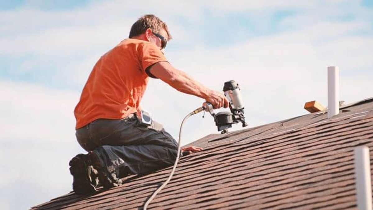 DIY or a roofing company, which is better to install your roof